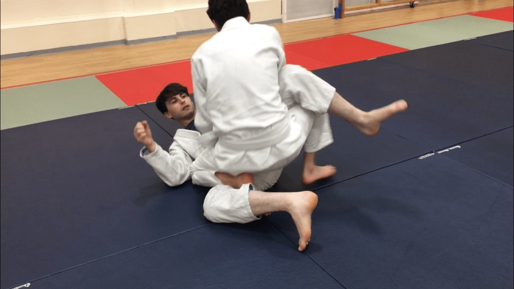 How To Pass Closed Guard Portsmouth BJJ 5